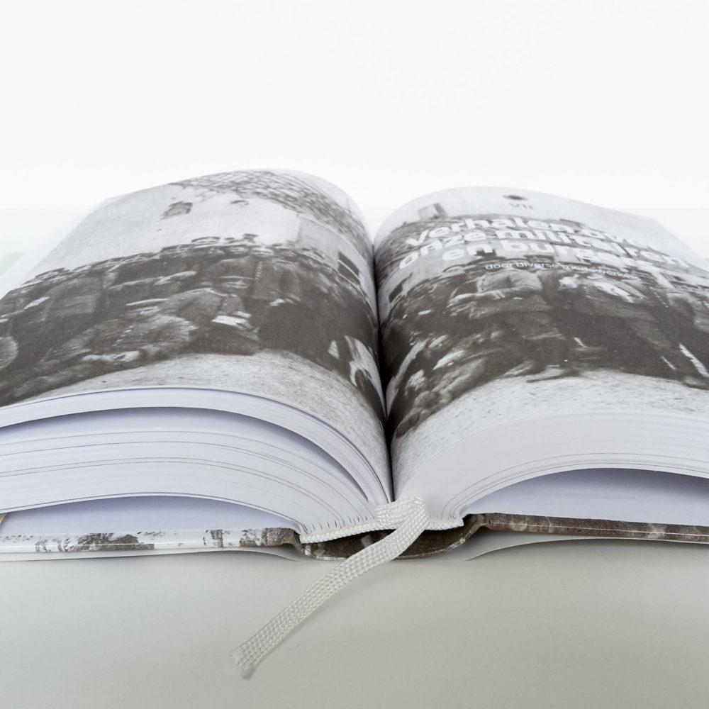Hardcover met leeslint 6