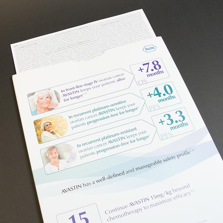 Roche brochure met pochet en tabs 2