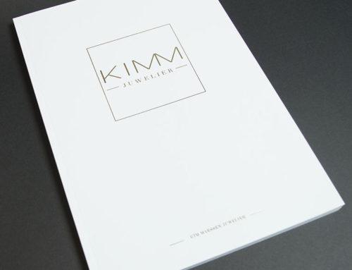 Luxe brochure met kalk inserts en goudfolie