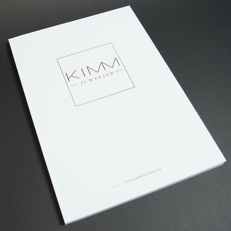 Kimm brochure met kalk inserts en goudfolie 5