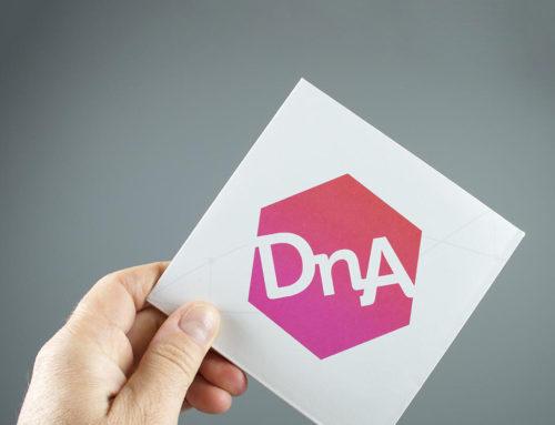 DNA folder met speciale vouwwijze