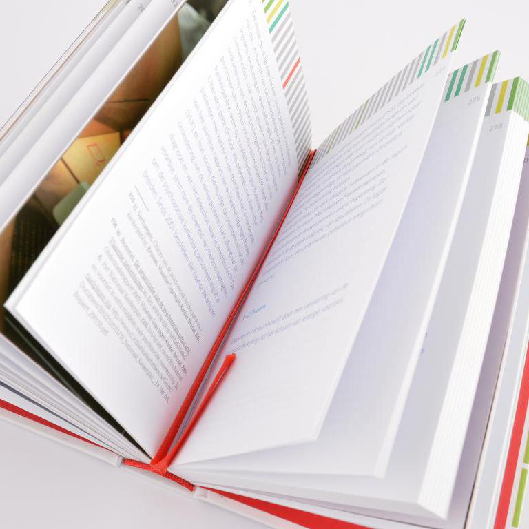 Provant hardcover met leeslint en elastieken sluiting 4