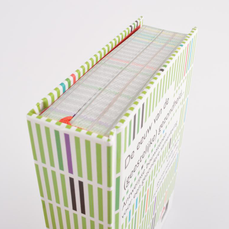 Provant hardcover met leeslint en elastieken sluiting 2