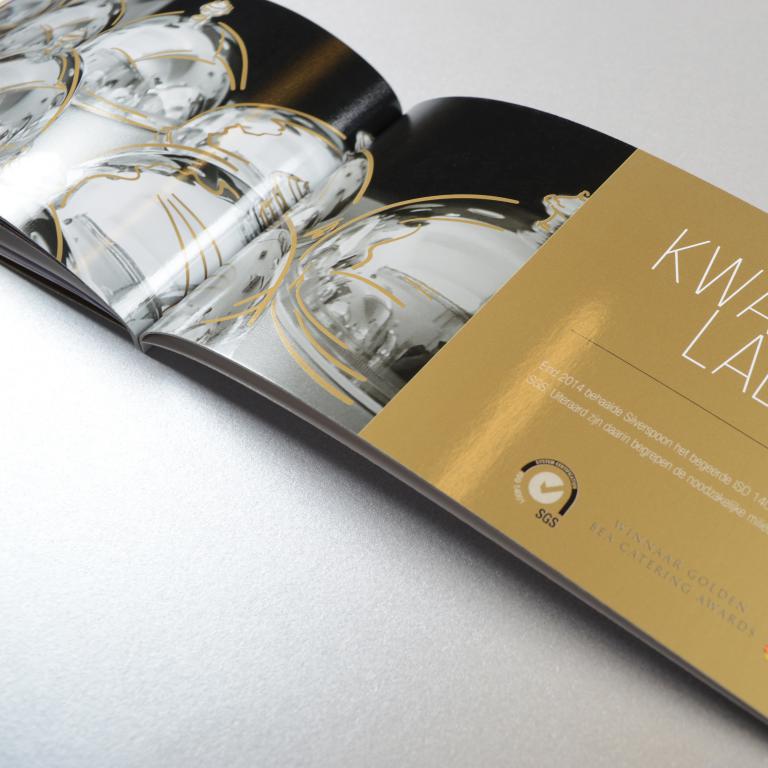 Silverspoon luxebrochure met dripoff lak